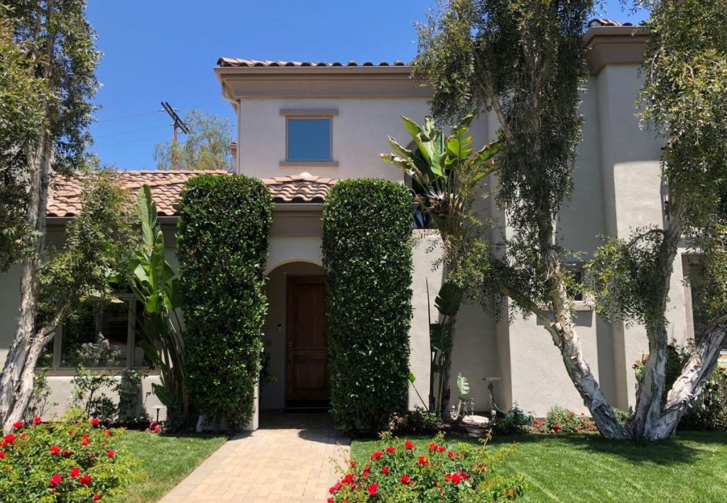 Woodland Hills Home Entrance and Front Yard