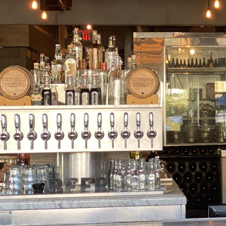 Local Peaasant Woodland Hills -Bar